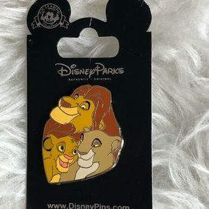 Disney Authentic - Lion King Family Pin